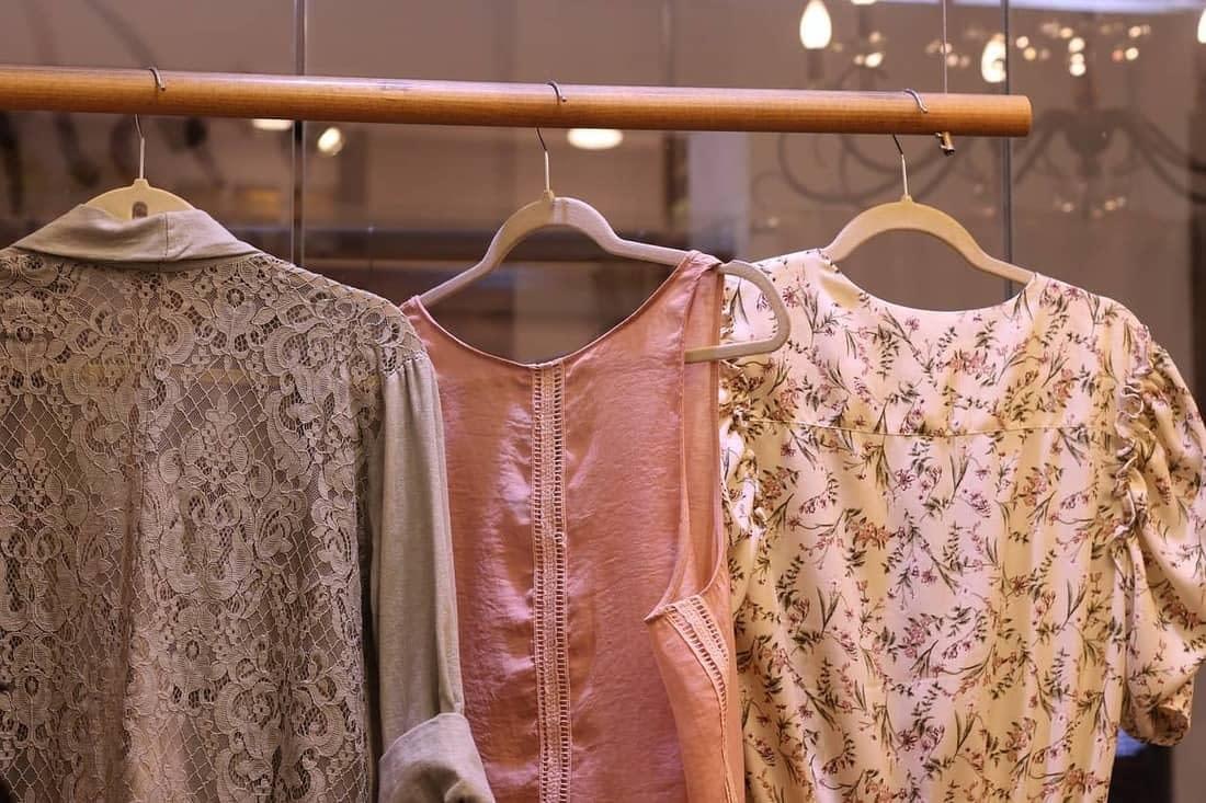¿Cómo vestir una prenda vintage sin parecer tu abuela?